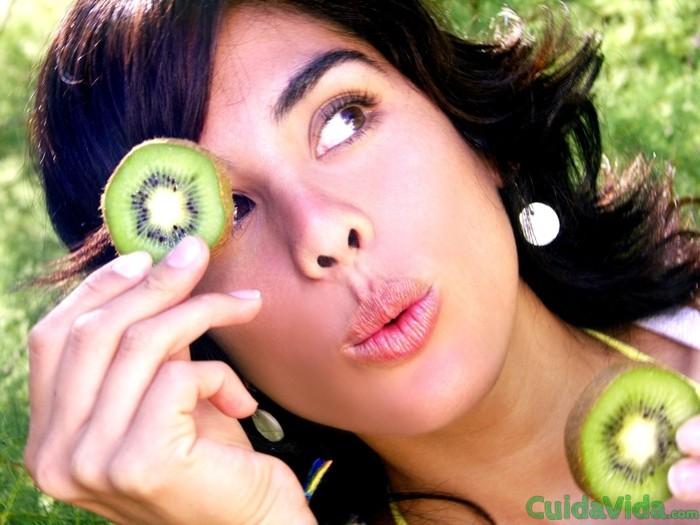 El kiwi ayuda a bajar la presión arterial