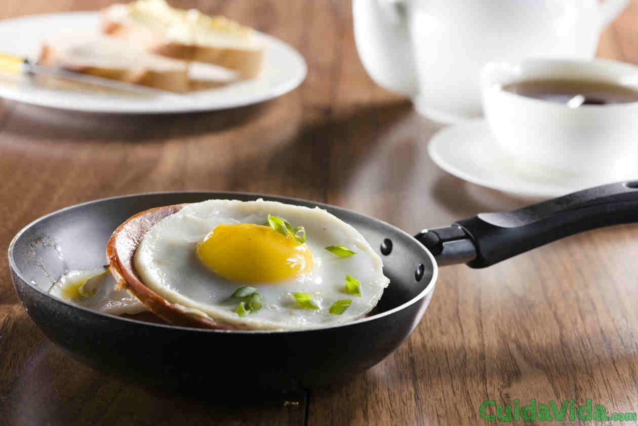 Desayunos proteicos ayudan a quemar grasa