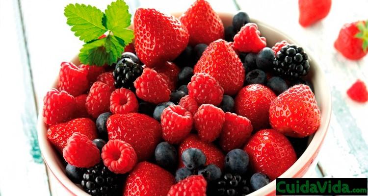 frutos rojos bayas bol