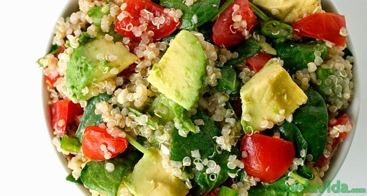 Receta: ensalada de quinoa limon aguacate espinacas