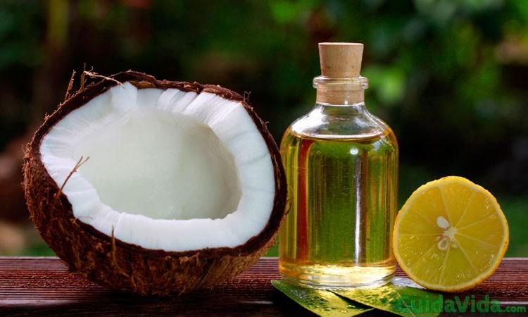 Agua de coco y limón contra la caída del cabello