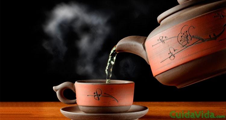 Cómo enfriar café o té rápidamente